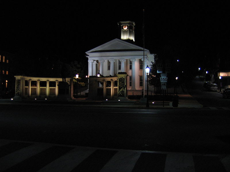 800px-Courthouse_in_Bellefonte