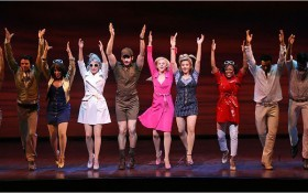 http://www.fanpop.com/clubs/legally-blonde-the-musical/images/1257831/title/like-one-big-happy-family-photo