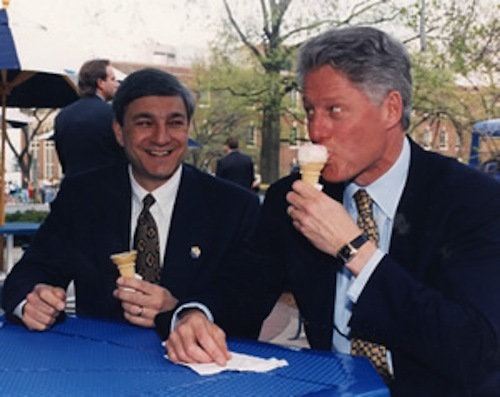 graham-spanier-with-clinton-at-the-creamery