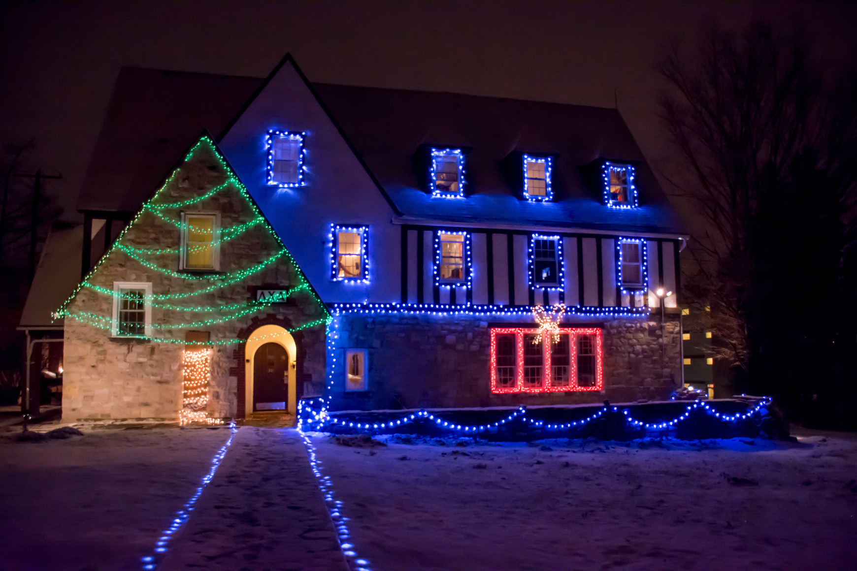 Fraternities Light Up With Holiday Spirit Onward State