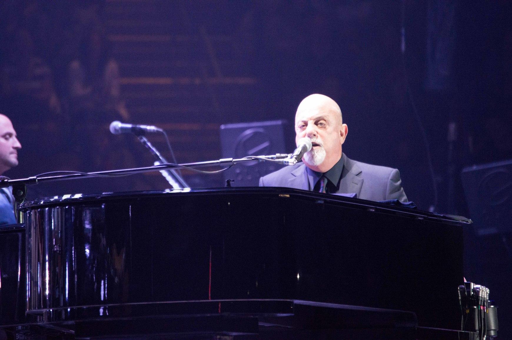 billy joel playing piano - photo #4