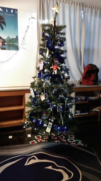 Check Out These Awesome Penn State Holiday Decorations